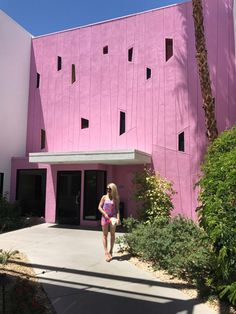 pink wall at the sag