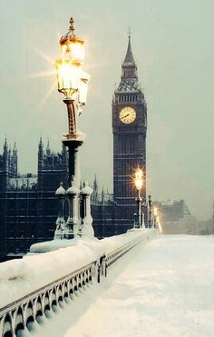 London in the snow ~ England. For comprehensive news coverage of global business… London in the snow ~ England. For comprehensive coverage of global business travel and meetings Winter Szenen, Winter Magic, Winter Time, Winter Night, Winter Travel, Winter Europe, Snow Travel, Europe Europe, London Winter