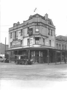 The Subway Hotel at the corner of Devonshire and Chalmers Streets,Surry Hills in Sydney in 1930.Now the Madison Hotel.