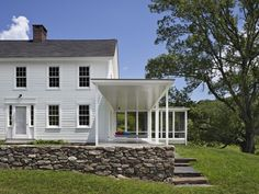 This week, architect Devin O'Neill and Faith Rose from the New York firm O'Neill Rose talk about rescuing an century Connecticut long house from a 197 Modern Porch, Modern Farmhouse, Farmhouse Ideas, Farmhouse Style, Facade Design, House Design, Farmhouse Architecture, Residential Architecture, Porch Addition