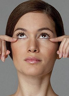 Information about facial toning exercises for men and women to eliminate wrinkles and uplift flabby face skin. Fundamentals of a natural facelift: Harnessing the potential of facelift workouts to firm up sagging face skin Beauty Care, Beauty Skin, Health And Beauty, Beauty Hacks, Hair Beauty, Natural Face Lift, Facial Yoga, Face Exercises, Face Massage