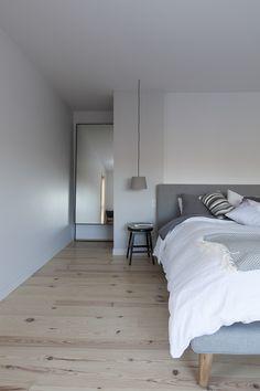MAISON UNIFAMILIALE SAINT-SAUVEUR — DKA Architectes Saint Sauveur, Ski Chalet, Forest House, House Plans, Home And Family, Farmhouse, Cottage, House Design, Bed