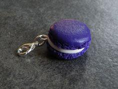 Charms macaron couleur violet en fimo : Cuisine, gourmand par jl-bijoux-creation