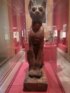 Divine Felines: Cats of Ancient Egypt: una mostra sui gatti nell'antico Egitto al Museum, New York Ancient Egypt, Archaeology, Yorkie, Brooklyn, Buddha, Museum, Statue, Cats, Yorkies
