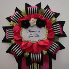 Items similar to Baby Girl Pink Black Gold Kate Spade Themed Mommy To Be Baby Shower Corsage Pin on Etsy Baby Shower Mum, Rubber Ducky Baby Shower, Baby Girl Shower Themes, Baby Shower Winter, Baby Shower Princess, Baby Shower Decorations, Baby Shower Coursage, Baby Food Jar Crafts, Mickey Mouse Baby Shower