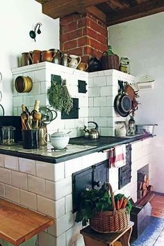 Making Your Dream Home a Reality Rustic Kitchen Design, Best Kitchen Designs, Old Kitchen, Kitchen Dining, Country Kitchen, Period Living, Antique Stove, Cozy House, Sweet Home