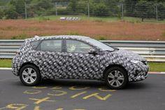 "Toyota ""Auris Cross"" reportedly coming to 2016 Geneva Motor Show"