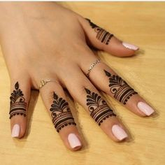 unique finger Mehndi designs that you will absolutely love - Braut Henna - Henna Designs Hand Pretty Henna Designs, Basic Mehndi Designs, Mehndi Designs For Girls, Mehndi Designs For Beginners, Mehndi Design Images, Mehndi Designs For Fingers, Latest Mehndi Designs, Mehndi Designs For Hands, Mehndi Fingers