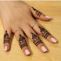 unique finger Mehndi designs that you will absolutely love - Braut Henna - Henna Designs Hand Finger Mehendi Designs, Henna Tattoo Designs Simple, Henna Art Designs, Mehndi Designs For Girls, Mehndi Designs For Beginners, Modern Mehndi Designs, Mehndi Design Photos, Mehndi Designs For Fingers, Latest Mehndi Designs