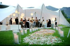 Stretch Tent wedding - White with petals