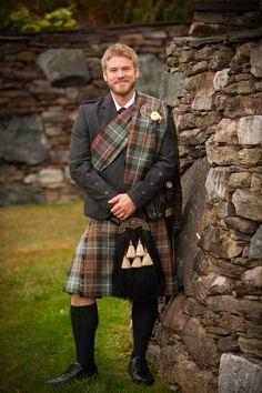 The great stone wall at the Historic Barns of Nipmoose creates a magnificent backdrop for any rustic chic wedding portrait. Scottish Clothing, Scottish Kilts, Scotish Men, Tartan, Scotland Men, Glasgow Scotland, Modern Kilts, Kilt Accessories, Men In Kilts