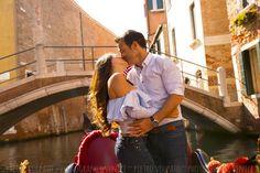 PHOTOGRAPHER IN VENICE ITALY #venice #couple #romantic #fun #photowalk #photoshoot #photosession #photographer #venicephotographer #photographervenice #couples #vacation #portrait #venicephotowalk #happiness #photography #honeymoonphotography #couplephotography #wedding #honeymoon #elopement #engagement #prewedding #lovestory #italy #veniceitaly #travelitaly #venezia #italia #fotografovenezia
