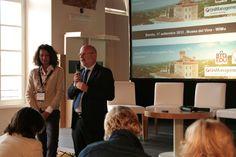 Il presidente dell'Atl Langhe e Roero Luigi Barbero porta i saluti alla platea insieme a @Roberta Causarano Milano di BTO. #noipiemonte - foto di C.Pellerino
