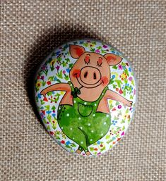 Funny pig hand painted stone, cute mascot for luck, mother's day gift Easy Pencil Drawings, Easy Flower Drawings, Easy Disney Drawings, Easy Doodles Drawings, Pencil Drawings Of Flowers, Easy Doodle Art, Mom Drawing, Drawing Base, Drawing Ideas