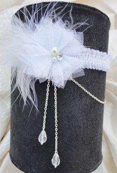 jarretiére de mariée mariage fleur d'organza, plumes et chainettes