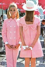 Pink gingham fashions, I remember the gingham phase. I had a blue gingham empire waisted dress! : Pink gingham fashions, I remember the gingham phase. I had a blue gingham empire waisted dress! 60s And 70s Fashion, Mod Fashion, Fashion Week, Trendy Fashion, Vintage Fashion, Fashion Trends, 1960s Fashion Women, Fashion Sewing, Pink Fashion