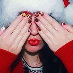 The perfect holiday manicure as seen on @prcouture's instagram.