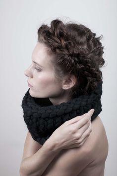 Nákrčník černý - MIK Black knitted scarf - Jana Mikešová