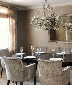 Mocha Swirl | Create an inviting space that'll work for a party of 20 or dinner à deux.