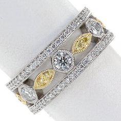 Dolce - Knox Jewelers - Minneapolis Minnesota - Fancy Color Diamond Rings - Large Image