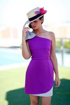 vestido fiesta corto Alena bicolor morado y topo asimetrico con lazo en un hombro