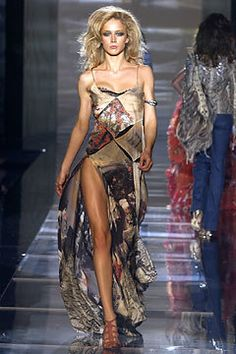 Roberto Cavalli Spring 2004 Ready-to-Wear Fashion Show - Roberto Cavalli, Eugenia Volodina