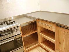 スタジオママルのつれづれ日記:間伐材でつくる木のキッチン