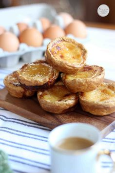 Crisp, flaky Portugese Tarts, with gorgeous caramelized custard filling. Portuguese Tarts, Portuguese Recipes, Gourmet Cooking, Cooking Recipes, Just Desserts, Dessert Recipes, Gourmet Desserts, Plated Desserts, Egg Tart