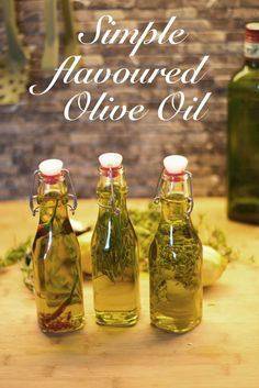 This is a simple recipe for homemade flavoured olive oil! Spice up your dishes with these oils, trust me, they're really good! Flavored Olive Oil, Flavored Oils, Infused Oils, Spice Blends, Spice Mixes, Potato Pasta, Marinade Sauce, Infused Water Recipes, Cooking With Olive Oil