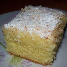 Bögrés Raffaello Receptek a Mindmegette. Hungarian Cake, Hungarian Recipes, Cottage Cheese, Vanilla Cake, Jelly, Dessert Recipes, Sweets, Fruit, Cooking