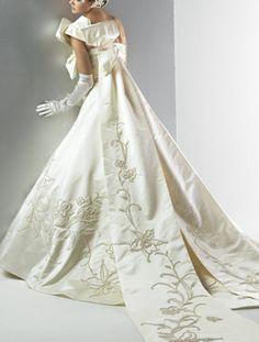 Yumi Kutsura, Japan & Paris - Bridal Collection gowns to rent AK-10208 (T)(O)
