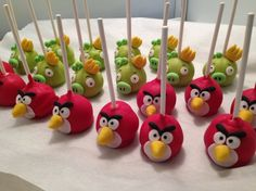 Angry Birds Cakepop!!  Birthday Candy bar - Dessert table. Visit our blog for more Angry birds party food ideas! www.thepartyproject.us Cake Pops by Elyse Doremus.