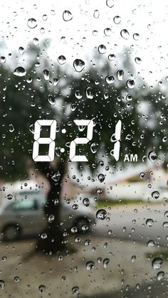 The picture shows that it is a rainy day outside w… / tokiphotography. Photo Snapchat, Instagram And Snapchat, Creative Instagram Stories, Instagram Story Ideas, Emoji Wallpaper, Tumblr Wallpaper, Snap Streak, Snapchat Streak, Profile Pictures Instagram