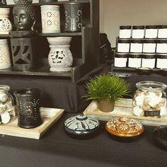 ⚛️ Räuchermanufaktur lumiQi ⚛ Räuchermischungen und Räucherkonfekte nach eigener Rezeptur* #handgefertigt #räuchermischung #räucherwerk #räucherkonfekt #duftwachs #energie #harmony #goodstuff #relax #enjoy #manufaktur #handmade www.lumiqi.com Shops, Relax, Jar, Home Decor, Handmade, Homemade Home Decor, Tents, Retail, Jars