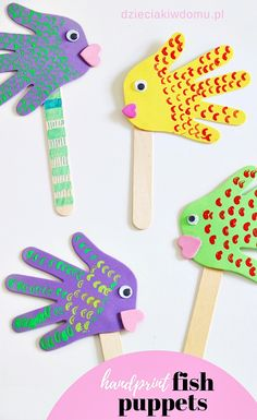 Rybki z łapek - kreatywna praca dla dzieci - Dzieciaki w domu Handprint fish puppets. Kids play with these crafts. Rybki z łapek - kreatywna praca dla dzieci - Dzieciaki w domu Handprint fish puppets. Kids play with these crafts. Animal Crafts For Kids, Paper Crafts For Kids, Craft Stick Crafts, Easter Crafts, Projects For Kids, Fun Crafts, Art For Kids, Craft Ideas, Art Projects