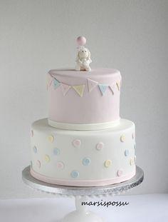 Marsispossu: Hempeä pastellisävyinen ristiäiskakku, Christening cake for baby girl