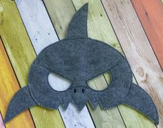 Shark  Masks made and sold by Heart Felt Embroidery. $7 yes we ship and do paypal! www.facebook.com/heartfeltembroidery Design credit - Gracefully geeky Felt Crafts Patterns, Baby Bibs Patterns, Animal Masks For Kids, Mask For Kids, Shark Mask, Sea Costume, Felt Kids, Felt Mask, Ocean Party