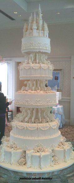 It is a cake  but I'm pinning to my art board because   wow!