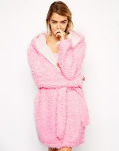 This yeti robe looks beyond comfy! The best thing about the weather getting colder is being able to get home and get snuggled! http://asos.to/1oKg6rG