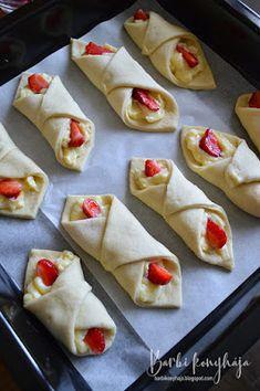 Barbi konyhája: Vaníliás, epres papucsok 🍓 Food And Drink, Barbie, Mexican, Cookies, Ethnic Recipes, Recipes, Crack Crackers, Biscuits, Cookie Recipes