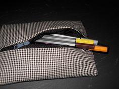 Mäppchen für Füller, Fineliner, Bleistifte o.ä aus extra schwerem Baumwollstoff (500g. lfm)  Nimmt kaum Platz weg und ist erstaunlich geräumig....