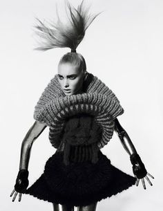 lovin' the whole set at the Sandra Backlund site. Ink Blot Test, photography by Peter Farago, and model Elsa Hosk 3d Fashion, Knitwear Fashion, Knit Fashion, Fashion Models, Fashion Design, High Fashion, Womens Fashion, Textiles, Sandra Backlund