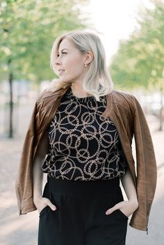 Back to Work! Office Outfits, Office Wear, Back To Work, Autumn Day, Cool Style, Style Inspiration, Lace, How To Wear, Beautiful