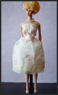 Vintage Bubblecut Barbie - blonde