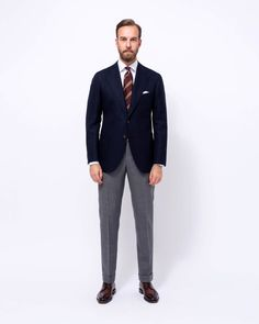 jeans and blazer outfits mens Blazer Outfits Men, Stylish Mens Outfits, Business Casual Outfits, Business Fashion, Grey Suit Men, Mens Suits, Best Mens Fashion, Suit Fashion, Fashion Edgy