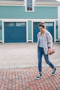 weekend style/ skinny jeans and sneakers