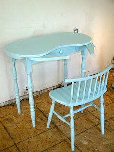 Kidney Shaped Vanity Skirts | Kidney shaped vanity table and chair painted in aqua blue « Stone ...