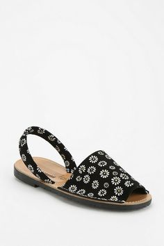 9fb7c5007313 Jeffrey Campbell Floral Avarca Sandal Chunky Heels