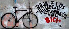 Bajale los humos a la contaminacion - usa la #bici | foto via Ciclistas Urbanos Santanecos #ElSalvador