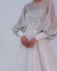 Handmade Dresses, Unique Dresses, Bridal Dresses, Wedding Gowns, Long Dress Fashion, Hijab Evening Dress, Barbie Dress, Ball Gowns, Dressmaker